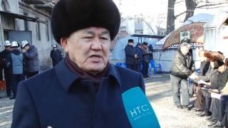 Кыргыз эли алп акыны Сооронбай Жусуев менен коштошууда