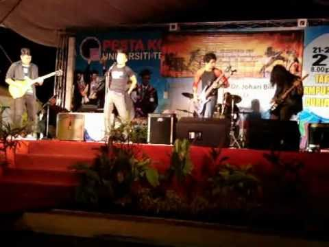 Battle of the band UTEM-Seruan (Lefthanded) dan Orang Timur (SYJ) by DWoTS