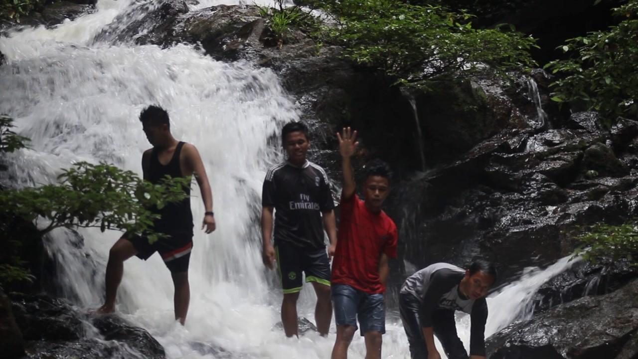 Air Terjun Riam Kendong