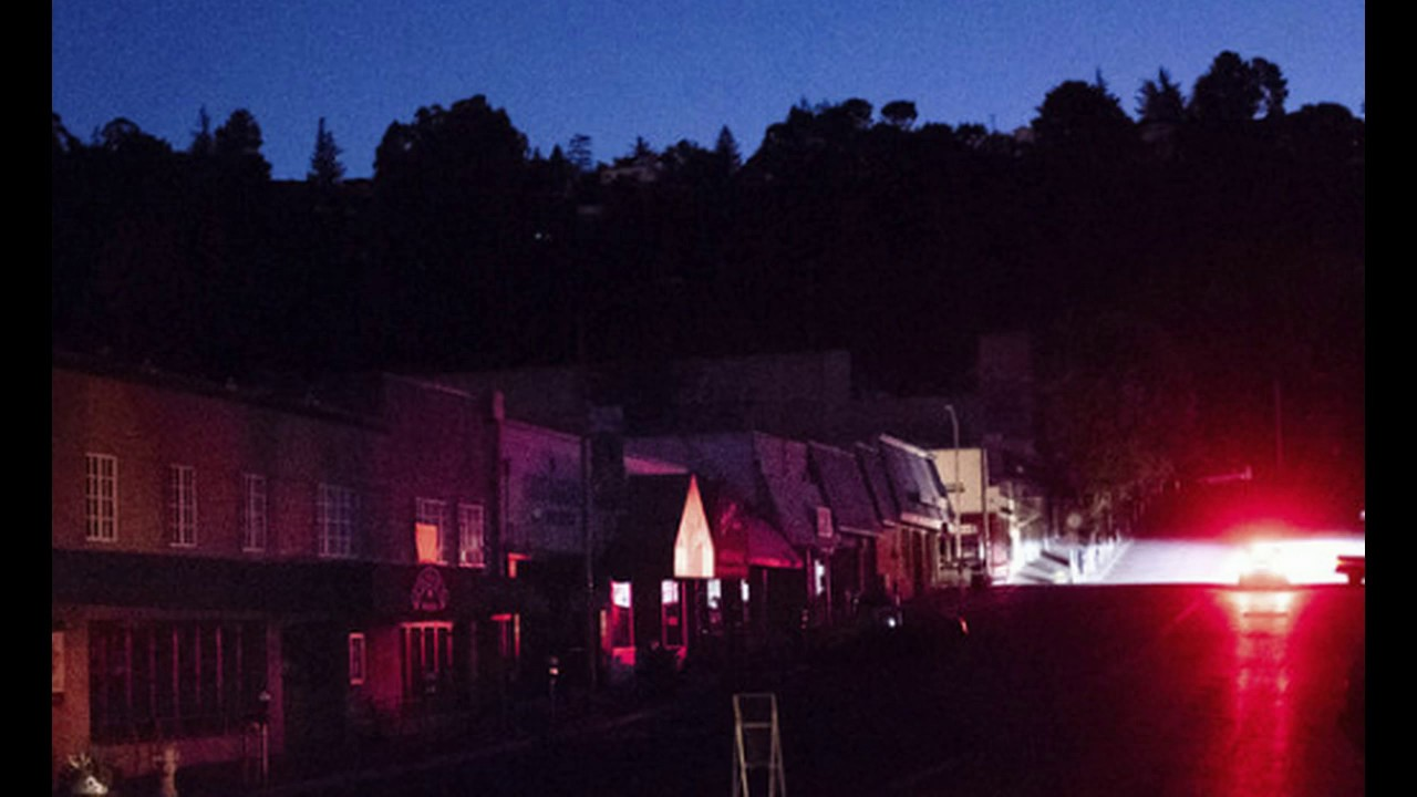 Get Ready! PG&E To Cut Power In California Wednesday, Blackouts Could Last a DECADE