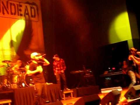 Hollywood Undead- My Black Dahlia Live With Deuce!!!!
