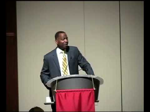 Fed Chief Banking Accountant Arthur Lindo Speaks at SIUE Breakfast