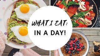 WHAT I EAT IN A DAY | CARLYROWENA