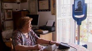 Робот-компаньон заботится о стариках и общается с ними (новости) http://9kommentariev.ru/(http://www.epochtimes.ru В Италии изобрели робота, который следит за здоровьем одиноких пожилых людей и помогает им..., 2014-07-09T14:09:16.000Z)