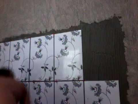 Jeito mais facil de colocar azulejo na parede youtube for Como colocar azulejo
