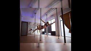 démo pole dance lyon Eylul/ cours pole dance lyon