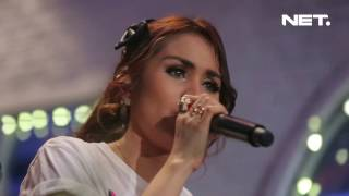 Geisha - Biar Jadi Kenangan Reza Artamevia Cover (Live at Music Everywhere) **