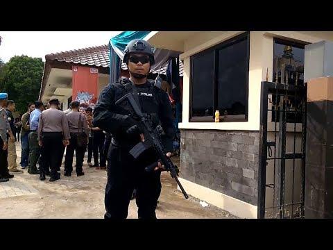 Ratusan Personel Polisi Amankan KPU Provinsi Lampung