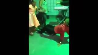 Idosos dançando perereca suicida