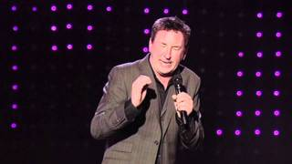 Mechanics clip from Lee Mack - Going Out Live DVD