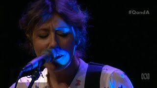 Q&A: Martha Wainwright sings Traveller