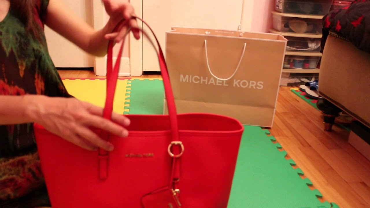9ace3f76c29b Unboxing-Michael Kors Jet Set Travel Tote in Saffiano for Macbook Pro