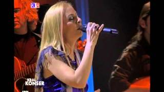 Zeynep Casalini - Nilüfer (Canlı Performans)