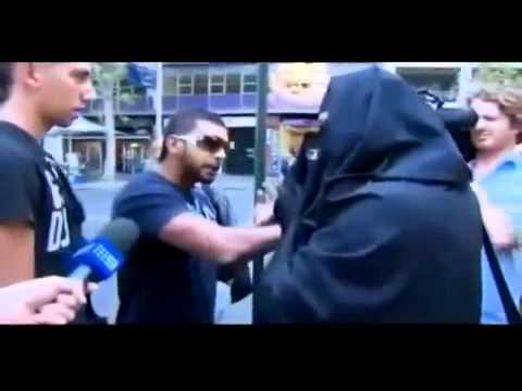 مضاربة شاب سعودي مع اللي يسهزء بالحجاب Speculation veil