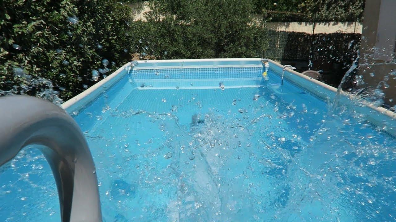 Petit plongeon dans ma piscine intex youtube for Petite piscine intex