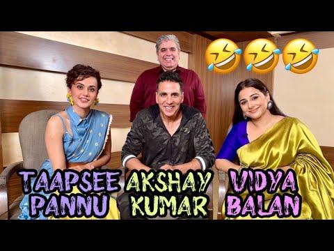 Akshay Kumar, Vidya Balan & Taapsee Pannu with Rajeev Masand I Mission Mangal