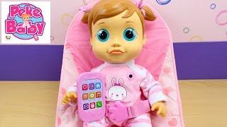 Muñeca Pekebaby Emma IMC Toys | La bebé aprende a hablar, come papilla y juega
