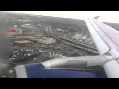 Delta Airlines A319 landing in LaGuardia