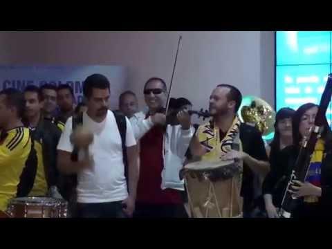 Colombia Tierra Querida - Flashmob Mundialista Orquesta Sinfónica de Colombia