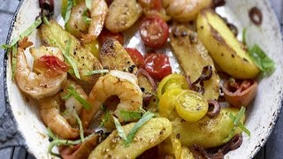 Картофель с креветками. Креветки на сковороде рецепт.