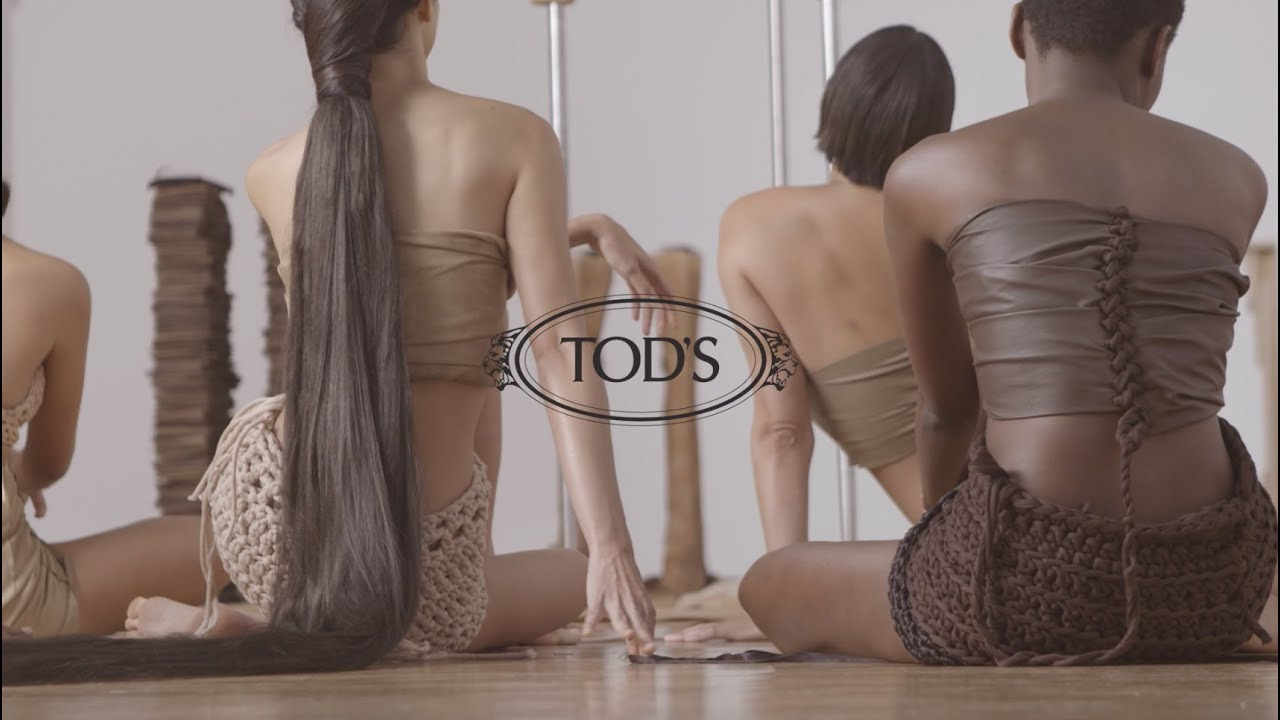 Behind the scene of the Performance by Carlota Guerrero for Tod's Women's SS 2022 Fashion Show
