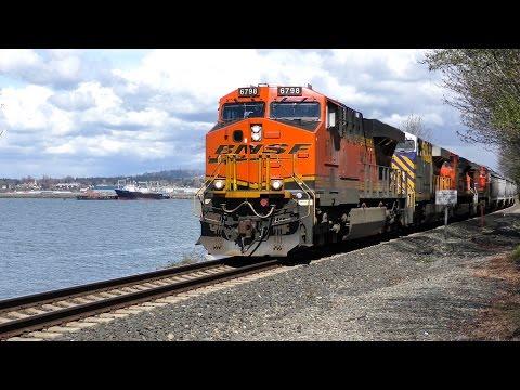 Along the Bellingham, WA Waterfront.  Trains of April 2017 4K