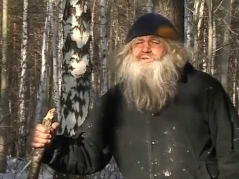 russkoe-lyubitelskoe-video-s-prikolnimi-dialogami-blondinka-v-vozraste-pered-vebkoy
