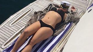 Kelly Osbourne Displays Her Insane Bikini Body