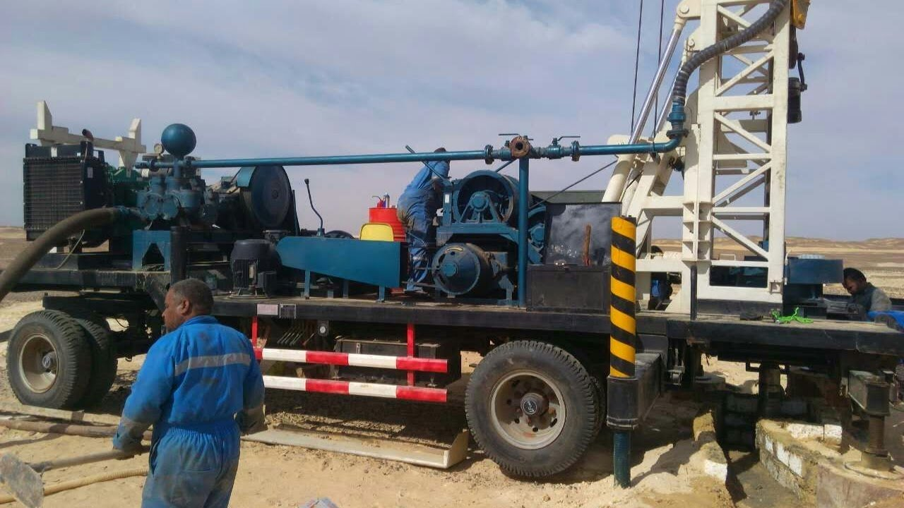 operation video of dft 400 drilling rig for water well drilling zzdefydrillrigcom