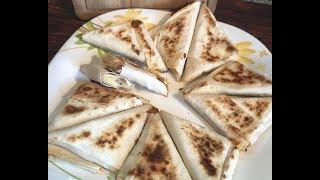 Конвертики из лаваша с сыром, ветчиной и яйцом: рецепт от Foodman.club