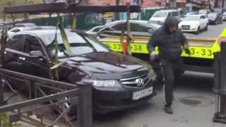 """Что нужно делать с """"героями парковки"""". Руководство для Киева."""
