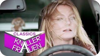 Erstes Mal gemeinsam im Auto [subtitled] | Knallerfrauen mit Martina Hill