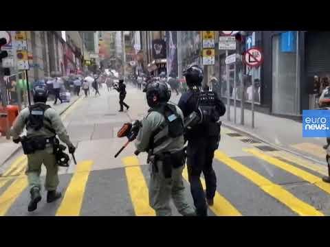 شرطة هونغ كونغ تستخدم -كرات غاز الفلفل- ضد متظاهرين مؤيدين للديمقراطية  - 18:59-2020 / 5 / 27