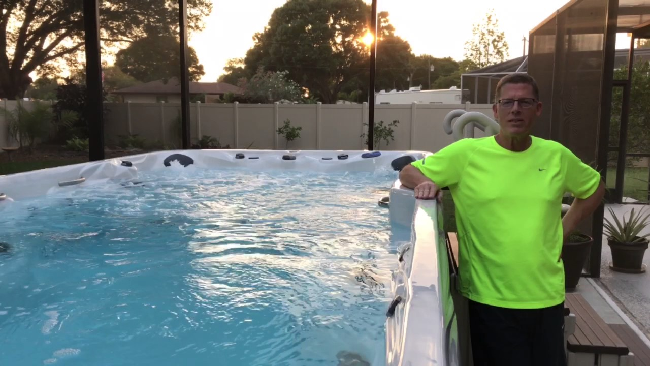 Realtree camo inflatable hot tub spa pool - YouTube
