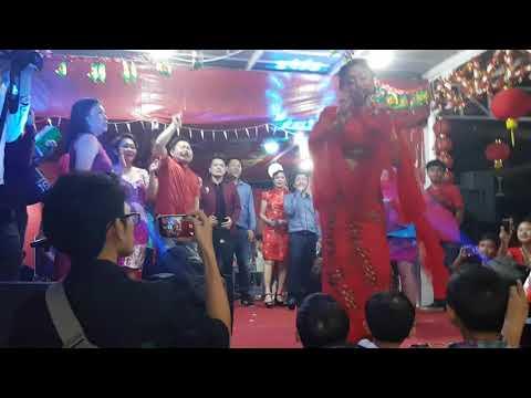 Imlek 2017 Dewi Persik - Goyang Dumang