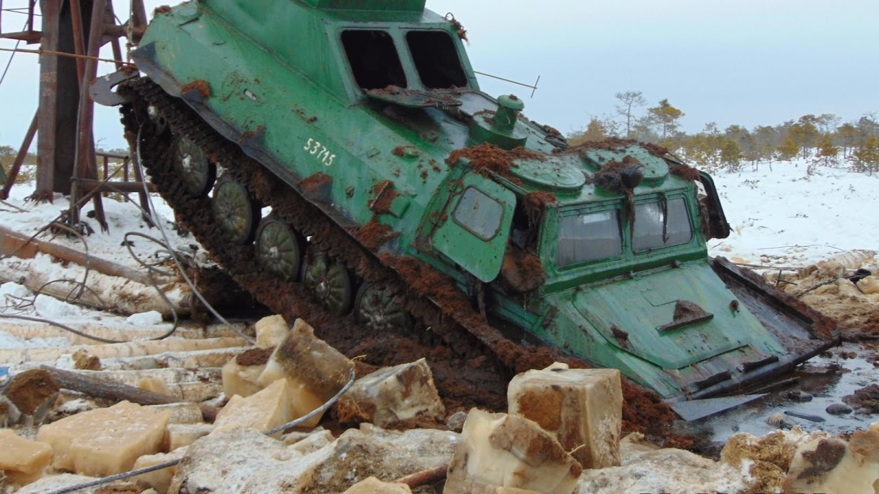 ВЕЗДЕХОДЫ ПРУТ ПО СУРОВЫМ ДОРОГАМ СЕВЕР застрял  грязи Экстрим севера Бездорожье Roads North Extreme