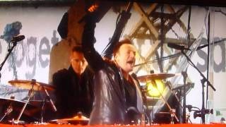 U2 with BRUCE SPRINGSTEEN I STILL HAVEN'T FOUND WHAT I'M LOOKING FOR at TIMES SQUARE NYC 12/1/14