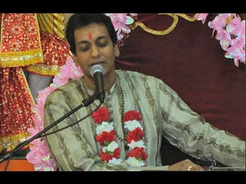 Pundit Munelal Maharaj - Prabhuji Tum Chandan Ham Paani