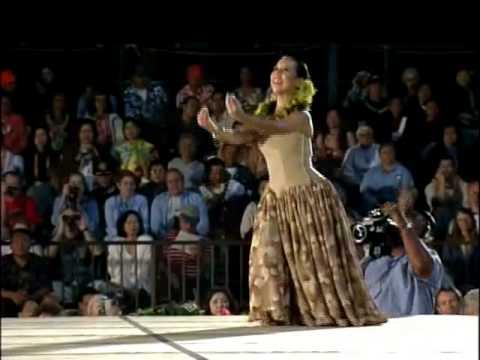 Merrie Monarch 2002 - Hula Halau 'O Kamuela - MAH 'Auana
