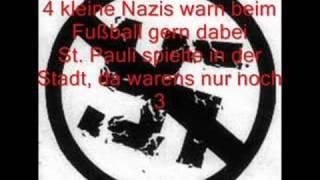10 Kleine Nazischweine Lyrics