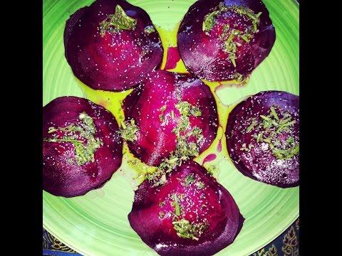 Vegan RAVIOLI di rapa rossa e ricotta di macadamia