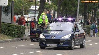 Escoltas y vehículos de emergencia en el desfile Fiesta Nacional España 12 octubre 2018