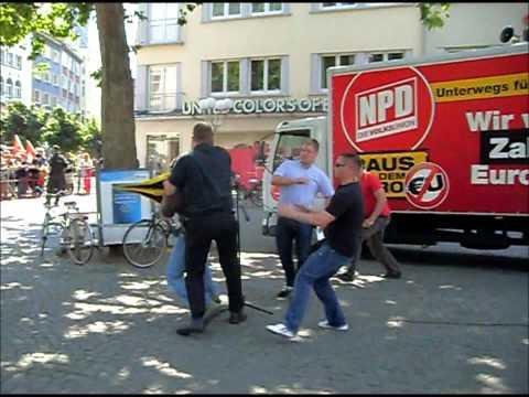 Tätlicher Angriff auf den NPD-Parteivorsitzenden Holger Apfel