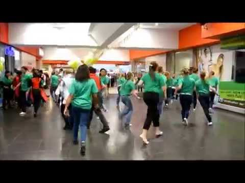 COOLEST FLASH MOB EVER! High School in South Africa supports East Rand Stereo! 93.9FM