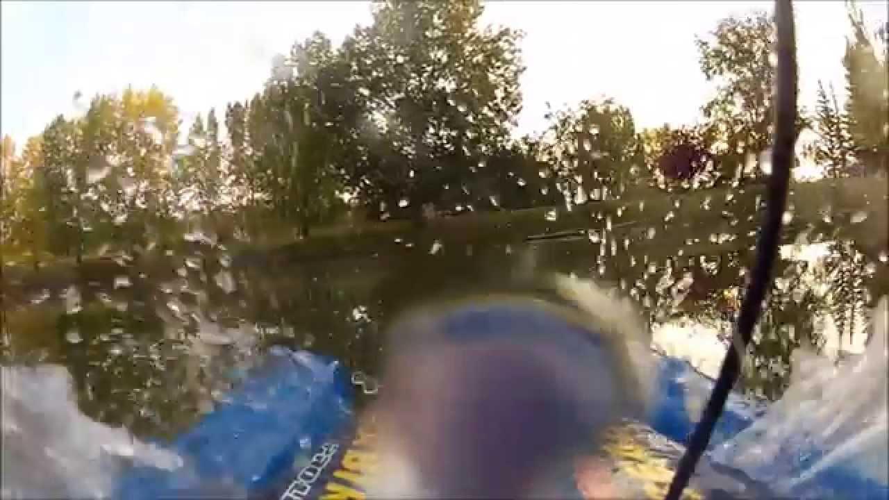 Beaver Splashes Toys R Us Rc Boat Youtube