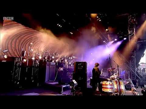 Glastonbury 2014- The Black Keys- Gold On A Ceiling