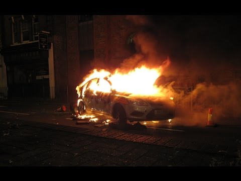 Tottenham Riots (HD) - August 7, 2011