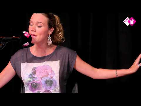 Joss Stone  - Love Me (Acoustic)   NPO Soul & Jazz