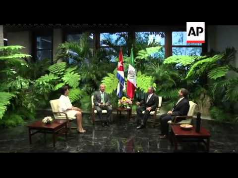 Outgoing Mexican President meets Raul Castro