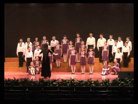 Fantastic chorus by Beijing Primary School children
